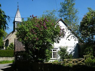 Cosy 18th Century cottage for couples. Pet friendly