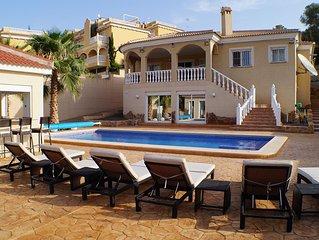 Luxury villa close to Costa Blanca's best golf courses