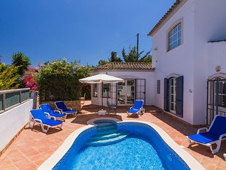 Beautifully Maintained Traditional House and Pool