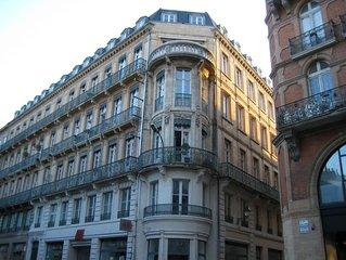 App T2 Hyper centre de Toulouse 2 à 4 personnes très lumineux.  50m du Capitole,