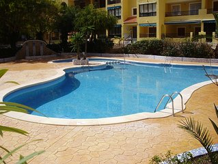 1 Bedroom Apartment - Swimming Pool, Internet, Beach, Pets