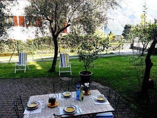 Lago di Como - Mezzegra Appartamento per 2/4persone con giardino e posto auto