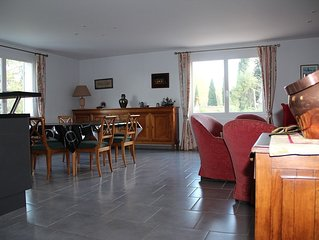 Appartement de charme  2 à 6 pers avec jardin à  Fontvieille au coeur des Alpill