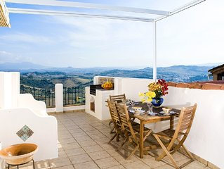 Charming Jimena house with terraces and panoramic views as far as Gibraltar