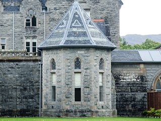 Spektakulare, romantische Unterkunft in Abtei direkt am Ufer des Loch Ness!