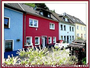 Romantisches Ferienhaus in Gemünd - an Fußgängerzone und Eifelnationalparktor !