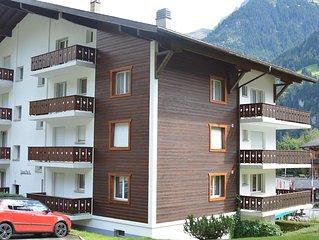 Grosses Apartment mit Balkon fur 6 P, zentrale Lage, Parkplatz