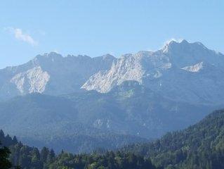 Ferienwohnung in Garmisch-Partenkirchen, grosser Balkon, Bergblick.