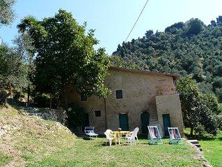 Kleine 'Rustiko' Haus mit Gartem und bezauberndem Blick auf die Versilia Kuste