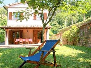 Wunderschöne Villa mit Blick auf die Küste. Garten, Terrasse.