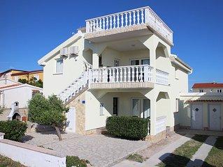 Wunderschöne Villa auf der Insel Vir, 40m vom Meer - Erdgeschoß