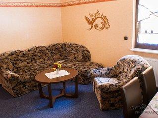 110 m² Ferienhaus. 4 Schlafz., 3 Badez., Wohn- Schlafzimmer und eine Küche