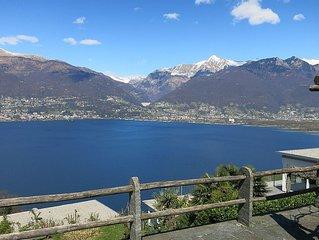 Rustico mit viel Freiraum und Traumaussicht auf den Lago Maggiore