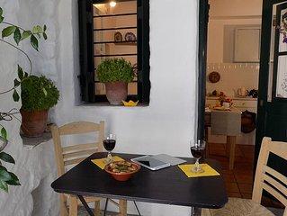 Jasmin Haus im Herzen der Chora von Skyros, bietet Platz für 3 bis 4 Personen
