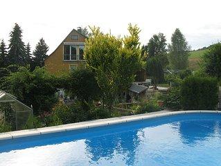 Urlaub in der Sächsischen Schweiz Garten Pool Kaminofen Wintersport
