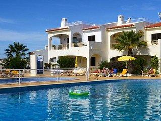 Luxuswohnung, Strandnahe, auf ruhigem Hugel direkt im Ort in sehr guter Anlage