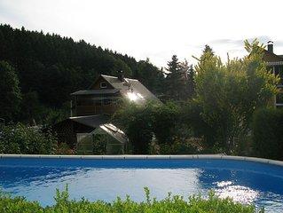 Ferienwohnung Sächsische Schweiz mit Balkon, Kaminofen, Garten, Pool