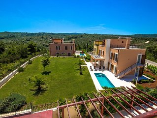 great villa for up to 12 people with own pool and big garden + sea view, cheap!!