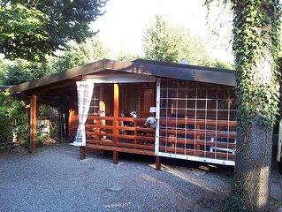Luxus Holz Chalets in ganz schone Lage am Familiencamping direkt am Luganer See