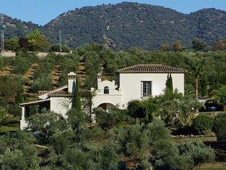 Elegantes Landhaus bei Ronda mit herrlichem Blick auf die Sierra von Grazalema