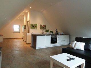 NEU 2015: FeWo mit 8000 qm Hundeauslauf, in Haus auf dem Land, obere Etage, 45qm