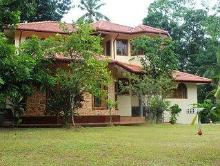 Ruhiges Ferienhaus unweit vom Botanischen Garten Peradeniya bei Kandy