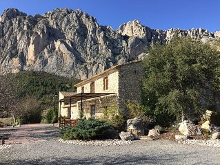 Spanisches Landhaus-einzigartige ruhige Lage-viele Sportmoglichkeiten-Meerblick
