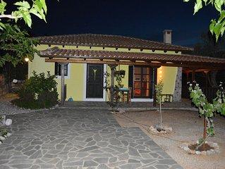 Ferienhaus mit Meerblick, Terrasse und Außenküche