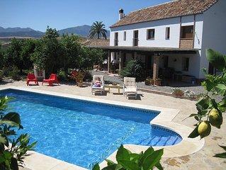 Finca bei Pizarra, Nahe Malaga & Meer, Pool, WLAN, alle Zimmer eigenes Bad