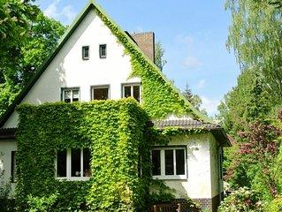 Liebevoll eingerichtete Ferienwohnung am See, im Grünen, Nahe Spreewald & Berlin