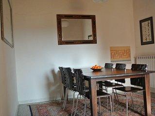Pisa Stadt: Großzügige Wohnung in toskanischem Stil, kostenlose Parkplätze