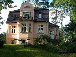 Gemütliche Ferienwohnung am Röblinsee im Souterrain einer Villa