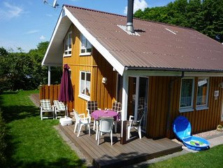 Cosy cottage with sauna, fireplace, and free Wi-Fi in the Village