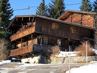 Uriges Ferienhaus mit Gletscherblick