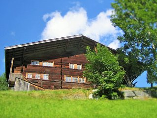 400 year old wooden house on a beautiful, sunny, quiet location in the Bernese