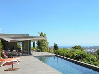 Villa d'architecte (MUCEM) lovee dans restanques  vue mer sur iles des Embiez