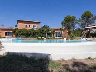propriété 12 ha, hauteurs, piscine privée, pas de promiscuité !