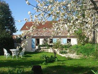 Gîte *** 4 pers avec jardin privatif dans village saintongeais  estuaire à 5 km