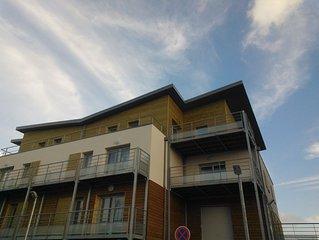 Appartement dans petite residence neuve, spacieux, grande terrasse et ascenseur