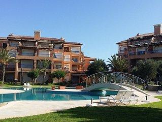Appartement résidence du golf à bouznika bay avec 2 piscines