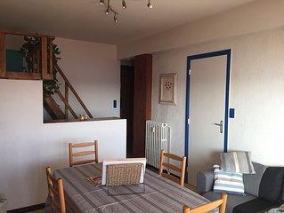 Appartement 30 m2 à Cagnes entre Cannes et Nice à 30 mètres de la plage, vue mer