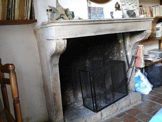 Confortable chambre d'Hôte dans maison ancienne en pierres