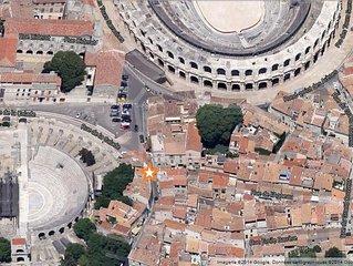 Au coeur du centre historique, entre les arenes et le Theatre Antique