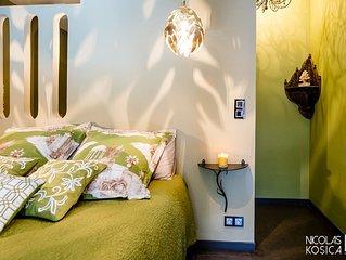Chambre verte: tres belle chambre de luxe situee dans la vieille ville d'Annecy