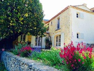 Jolie maison de campagne au pieds du Luberon.