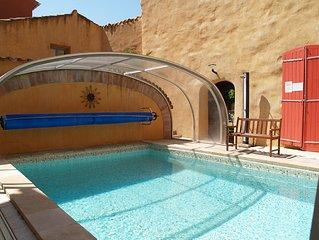Gite de luxe avec piscine, spa, jardin, 2 a 4 personnes au centre historique