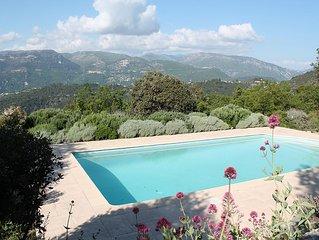 Maison  vue mer et montagne magnifique piscine au sel , calme et beaute assures