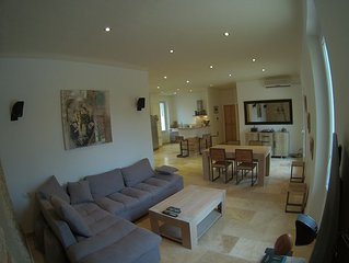 DUPLEX de 115 m2 avec terrasse de 150 m2 avec SPA 6 places.