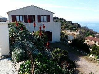 Maison individuelle avec vue à 180 degrès sur la mer pour 4 personnes
