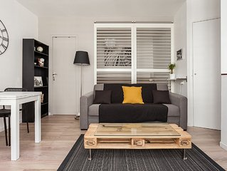 Cozy apartment just steps from the Place de la Comédie